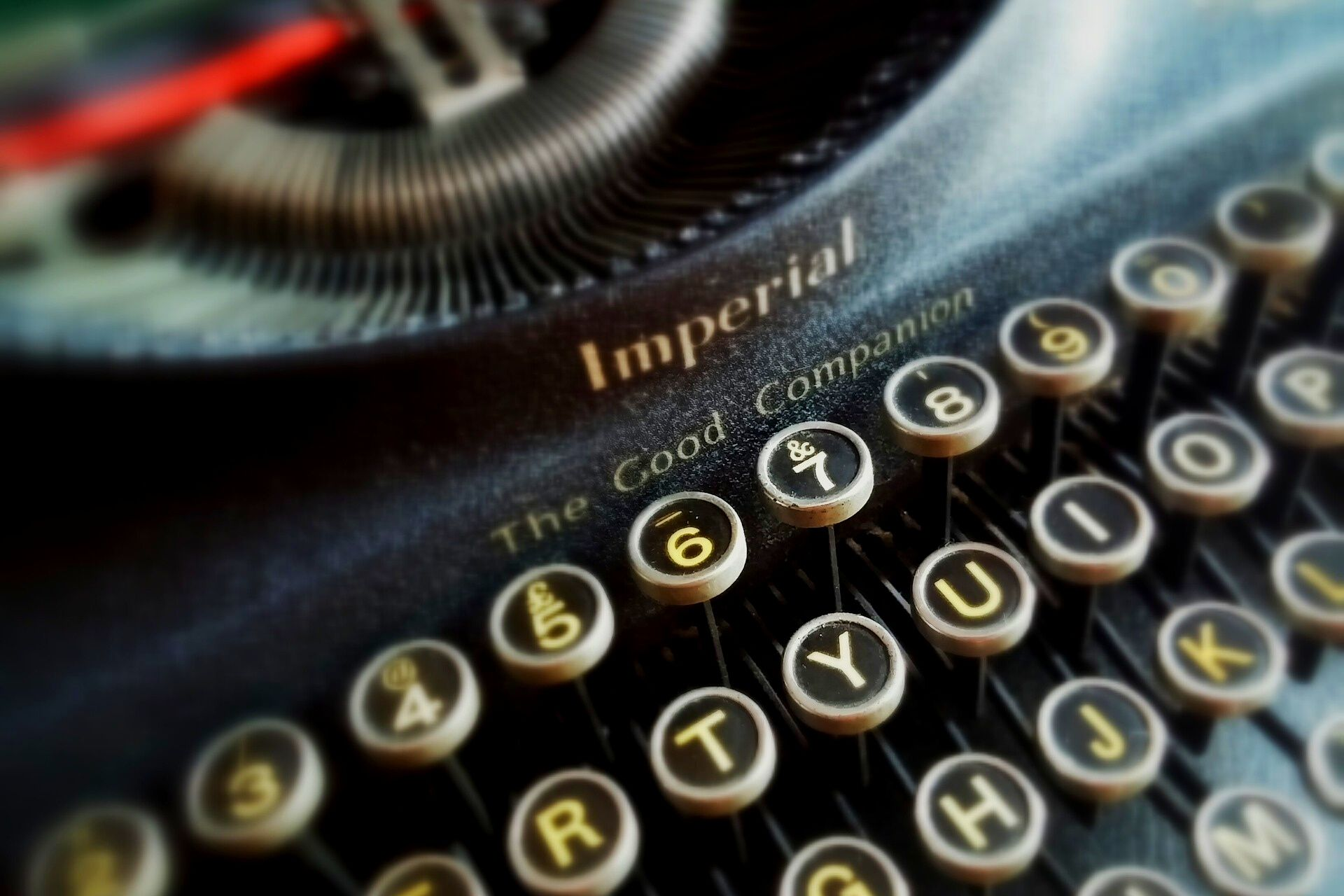 image of typewriter for writer for hire article